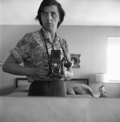 Source: Vivian Maier, courtesy Jeffrey Goldstein Collection Vivian Maier, Highland Park, Ill. 1965.